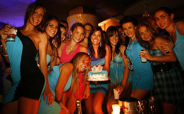 women from costa rica